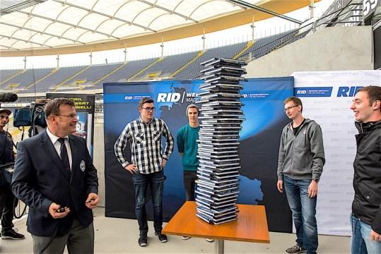 rid-rekord-buchstapel3
