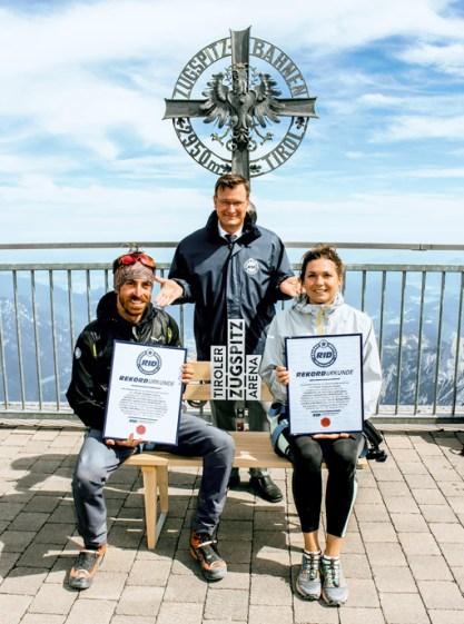 RID-Weltrekord-schwerstes-moebelstueck-auf-berg-5