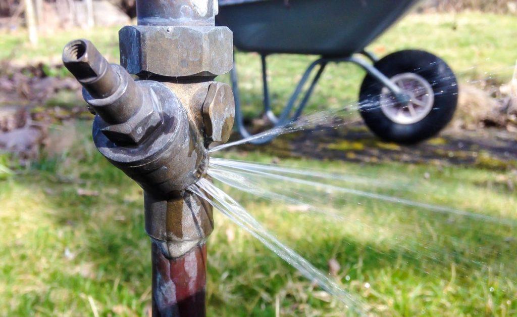 Frostschaden an der Gartenwasserleitung reparieren