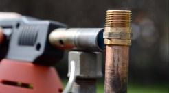 Frostschaden an Gartenwasserleitung reparieren