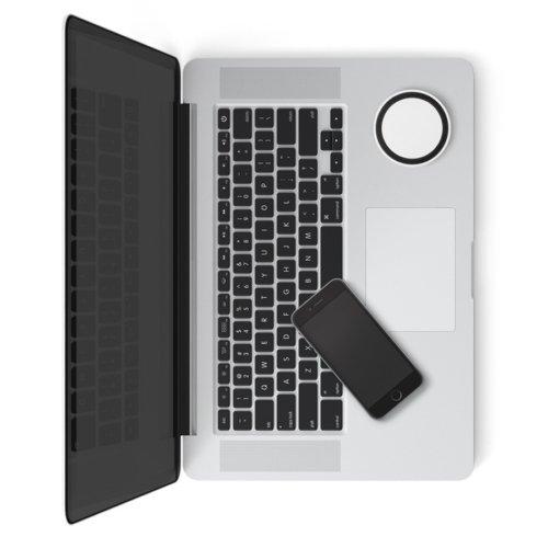 laptop met draadloze inductie powerbank bedrukt (1)