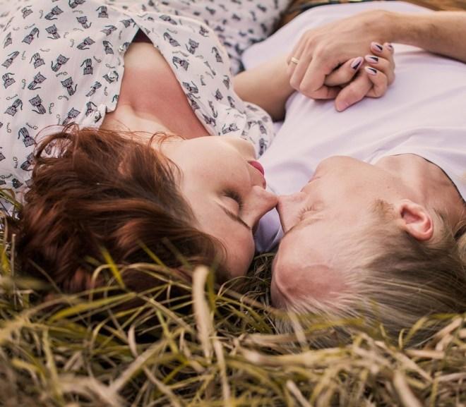 Tenir une relation à distance en tant qu'étudiant ou jeune