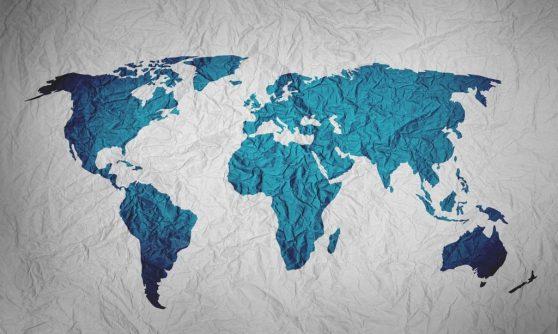 Carte du monde et relation très longue distance