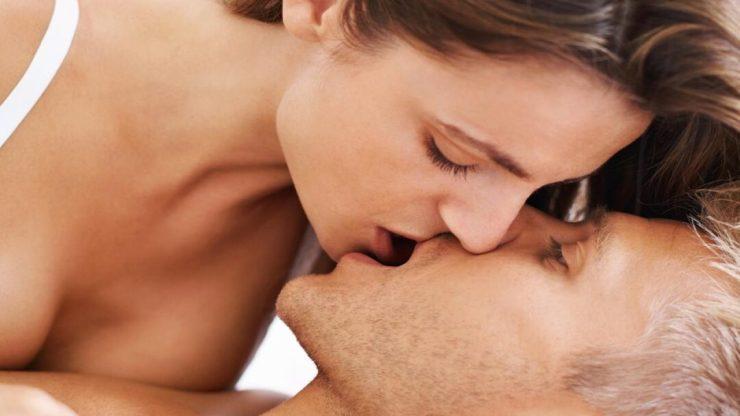 single lip kiss