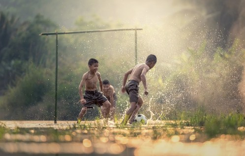 niños futbol photo