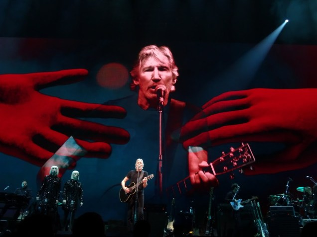 1242 Relax and Succeed - Roger Waters Us and Them 1
