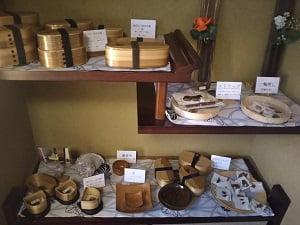ハンドメイドの木製品