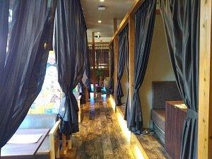 バリ風リゾートの店内の雰囲気の写真