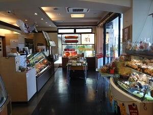 入口側の店内の雰囲気の写真