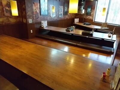 海鮮太郎の奥の大きな席の写真