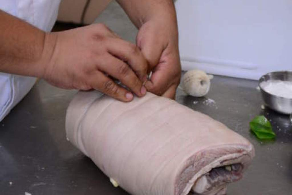 How to roll and tie the lechon belly