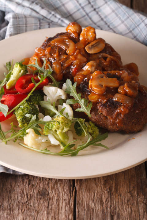 salisbury steak with mushroom sauce