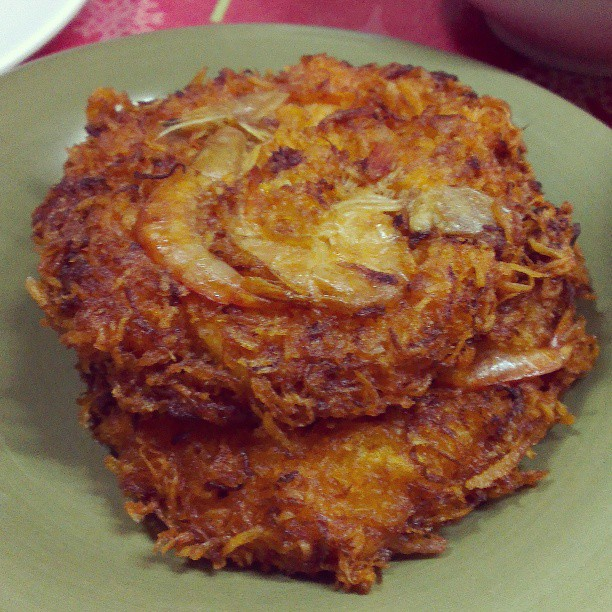 Crispy Ukoy Recipe -Shrimp Fritters with Sweet and Sour Sauce