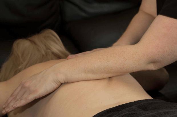 sports massage to back