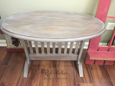 Top of the oval rustic side table