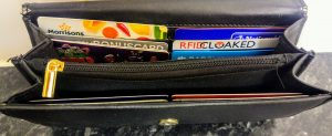 RFIDsecur shielding card inbetween two contactless cards