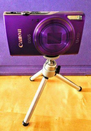 Canon Ixus 285HS on tripod