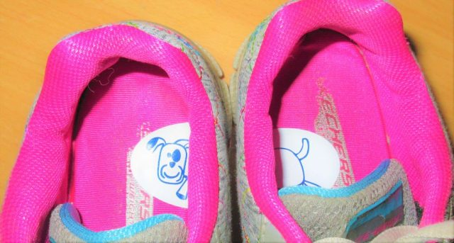 Making mornings easier with left & right shoe stickers