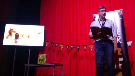 Cock-a-doodle-poo! being read by author Steve Smallman at the #TigerPBParty