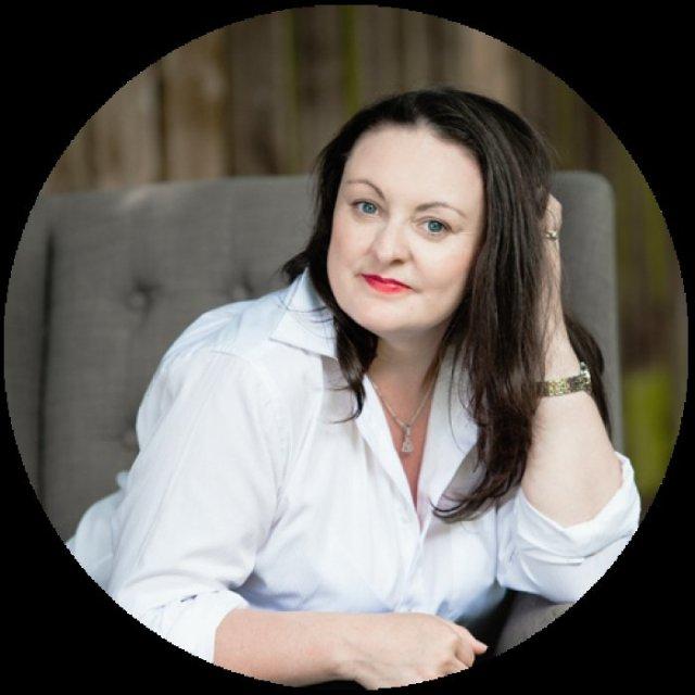 Fiona Morgan - Author of Free