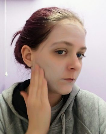 Applying Procoal Face Scrub