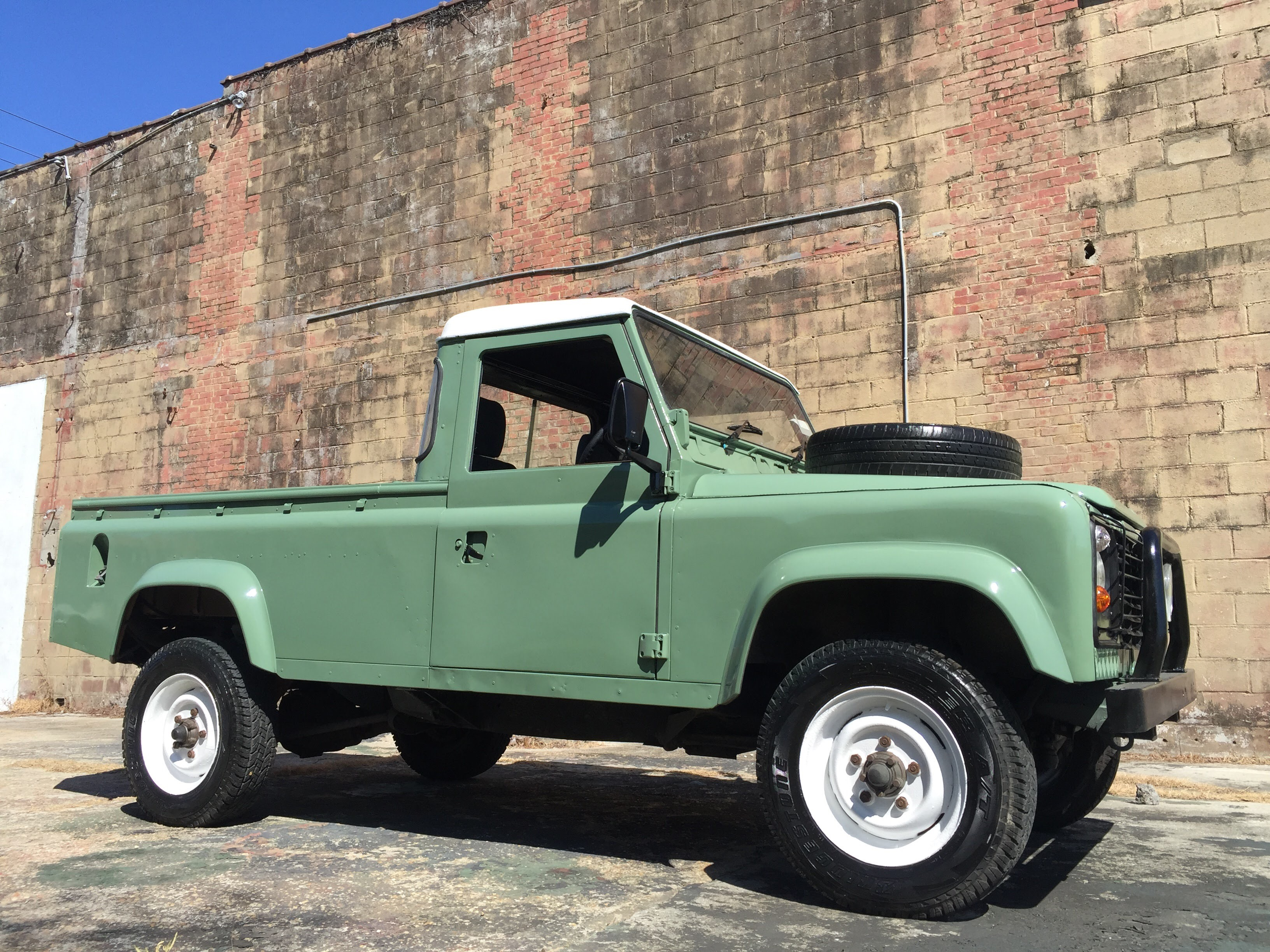 Vintage Land Rover 110 – Relic Imports