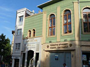 Diyanet-kontor og bokhandel i Istanbul. Foto: Hans Olav Arnesen.