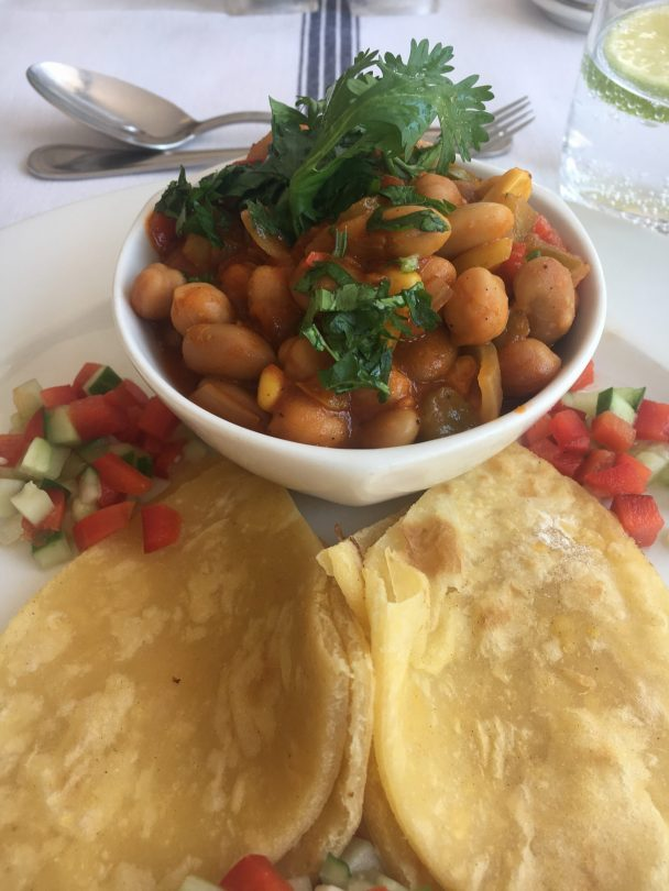 Chickpeas and butterbeans with chapati