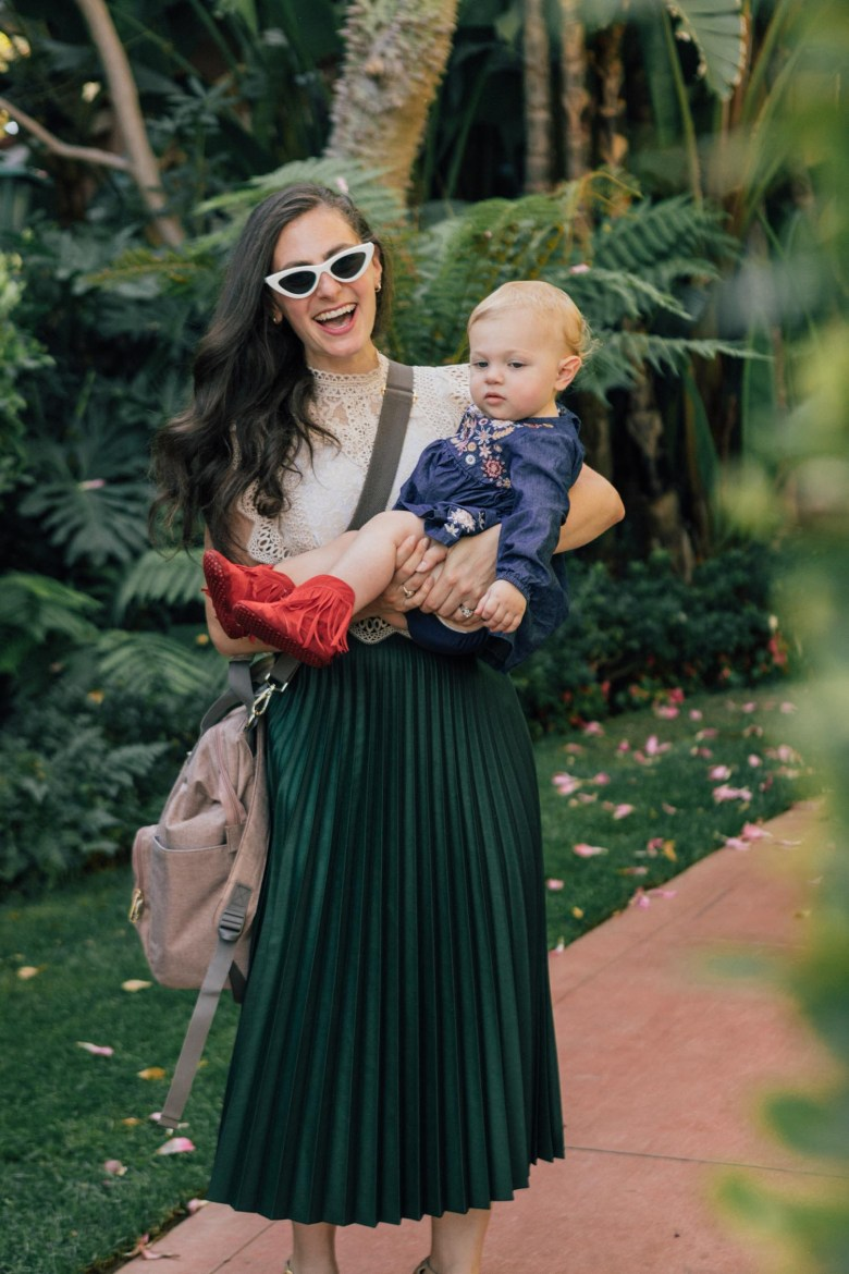 Los Angeles blogger, RELish By Arielle, shares her favorite diaper backpack for new moms