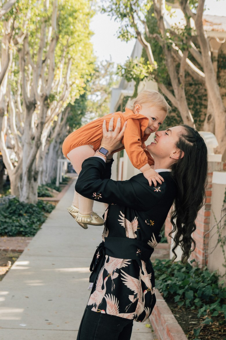 Los Angeles mom blogger, RELish By Arielle street style with her baby