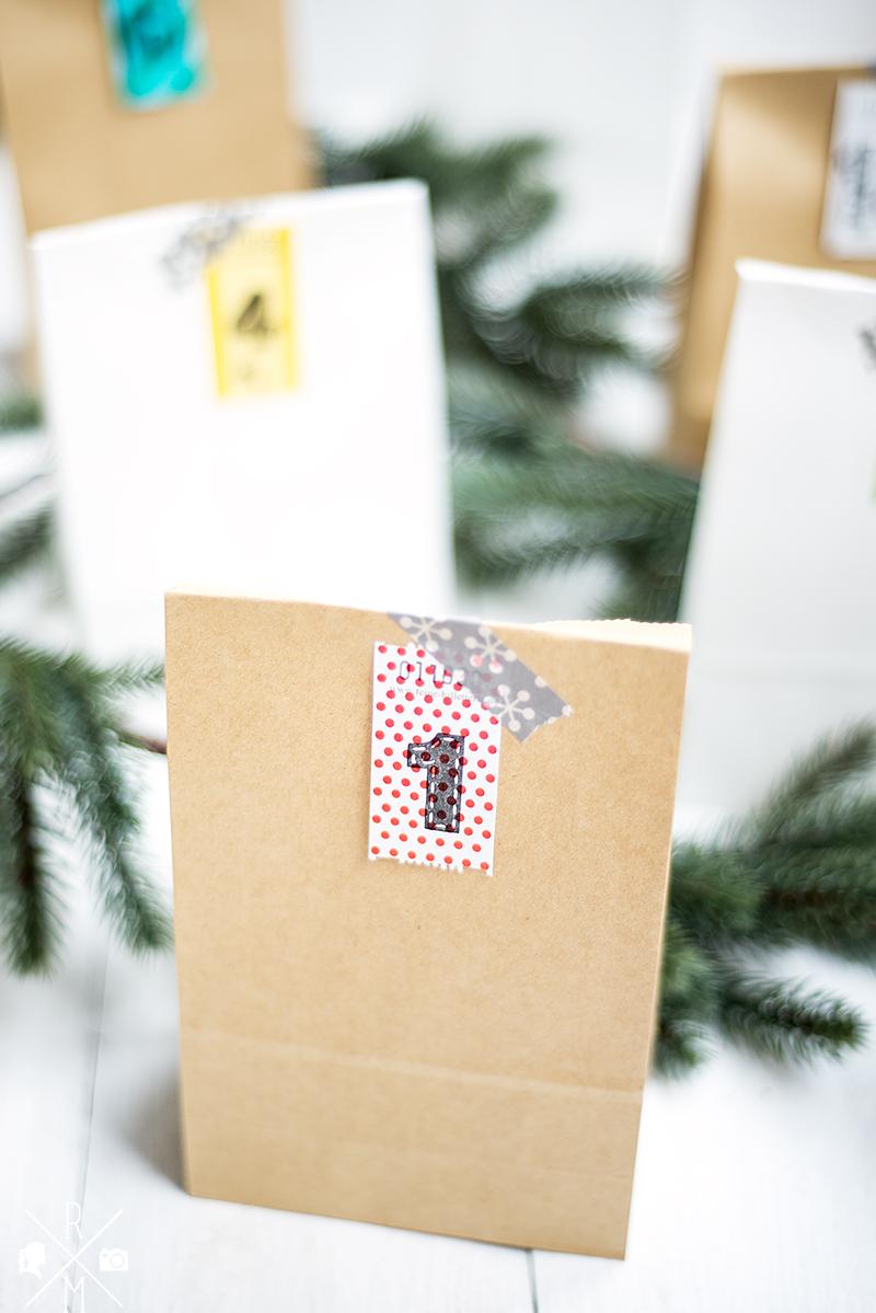 Adventskalender für Kinder und Erwachsene in Papiertüten verpackt | relleomein.de