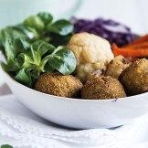 Buddha Bowl mit Wintergemüse und Falafel - veganes Rezept | relleomein.de