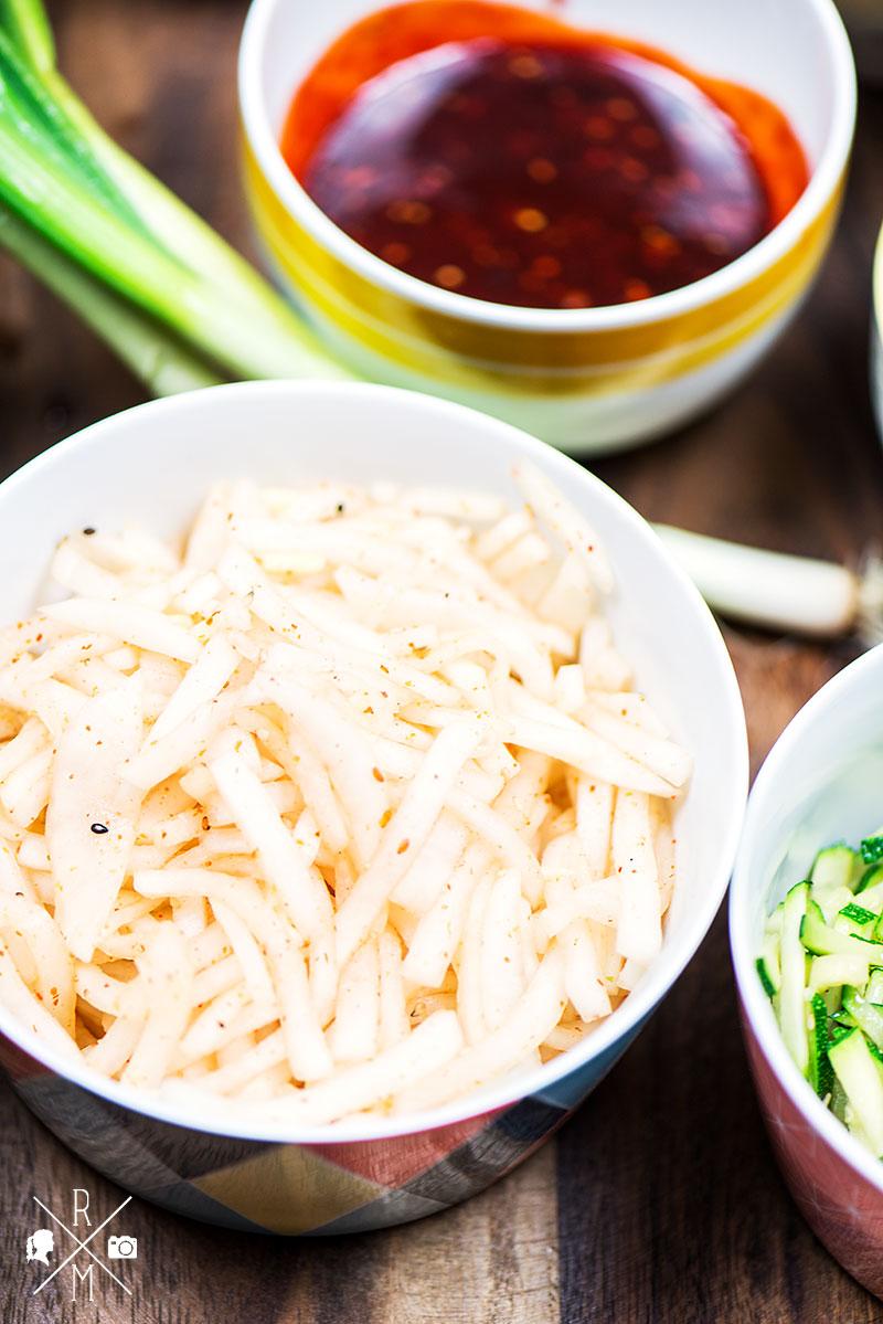 Ein typisch koreanisches Gericht - Dolsot Bibimbap   relleomein.de #veggy