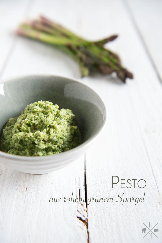 Bandnudeln mit  grünem Spargelpesto und Balsamico Erdbeeren   relleomein.de #Pesto #grünerSpargel #Nudeln #vegetarisch #thermomix