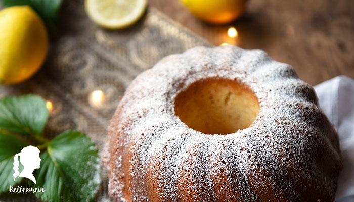 Zitronenkuchen - Besonders saftig mit frischen Zitronen   relleomein.de #foodblogger #zitronenkuchen #backen