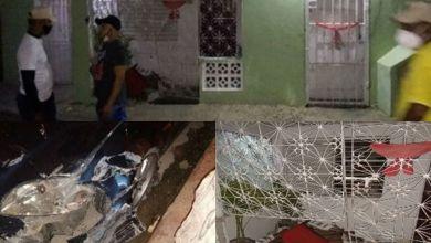 Photo of Una persona herida de arma de fuego tras chocar su carro con una vivienda en S.P.M