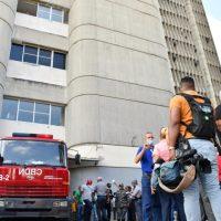 """Photo of Muere hombre se lanzó del 7mo piso del """"Huacal"""" porque supuestamente lo cancelaron"""