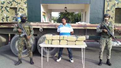 Photo of Apresan hombre con 100 libras de marihuana en Azua