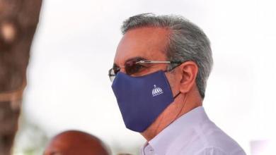 """Photo of """"No hay dinero para lujo, pero si para la salud"""", dice Abinader en La Romana"""