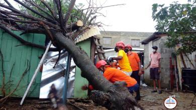 Photo of Aguaceros y vientos dejan daños en Santiago