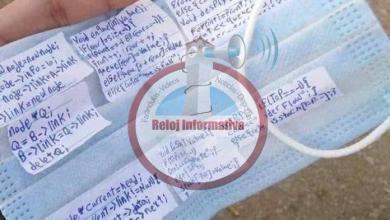 """Photo of ¿Creatividad o trampa? Alumno usa mascarilla para hacer """"chivo"""" en examen"""