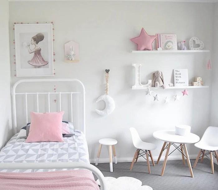 chambre fille scandinave lit barreaux