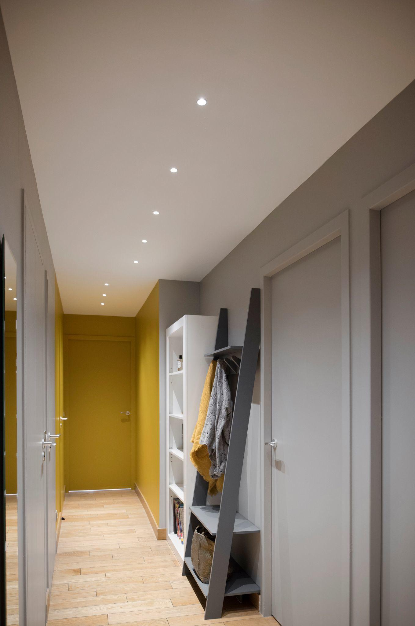 Couloir couleur peinture