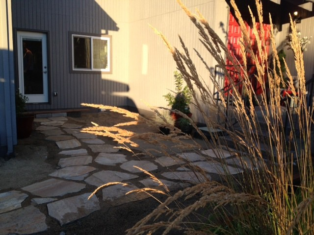 Diy Lowe S Flagstone Courtyard Home Improvement