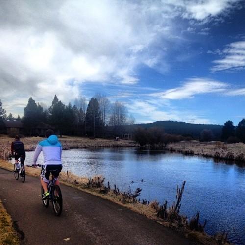 Bend, Oregon | Reluctant Entertainer