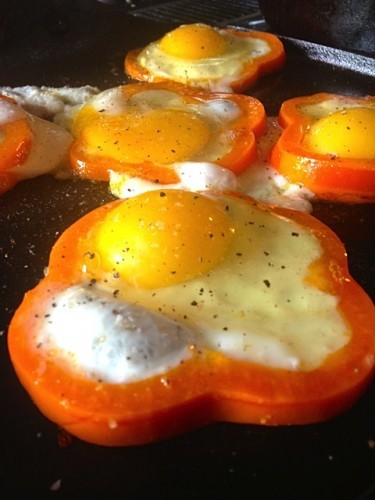 Best Fried Eggs in Pepper Rings Recipe