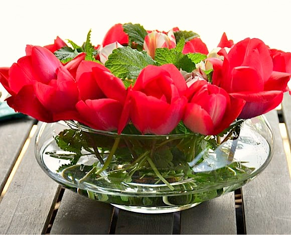 How to Make a Tulip and Mint Tabletop