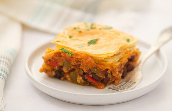 chili pot pie with puff pastry