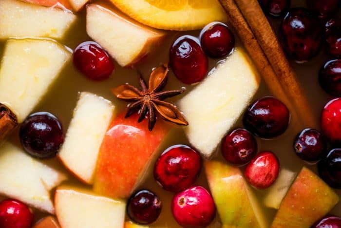 how to make The Pioneer Woman's Mulled Apple Cider Recipe