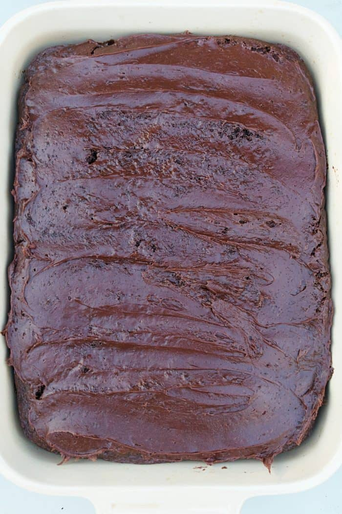 EASY 4-Ingredient Chocolate Cherry Cake